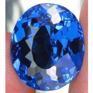 13.9ct oval blue topaz