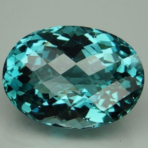28.5ct oval aquamarine (HT
