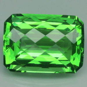 33..4ct apple green amethyst